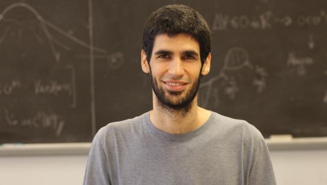 El joven matemático Xavier Ros-Oton, Premio FPdGi Investigación Científica 2019